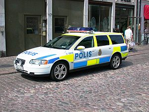 Swedish police car (Volvo), new livery (accord...