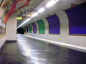 Télégraphe (Paris Métro) - Image: Télégraphe métro 03