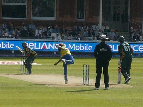 Shahid Afridi batting against Sri Lanka in the ICC World Twenty20 Final at Lord's in England T20 final 2009.jpg