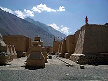 Tabo Gompa - old walls and chortens.jpg