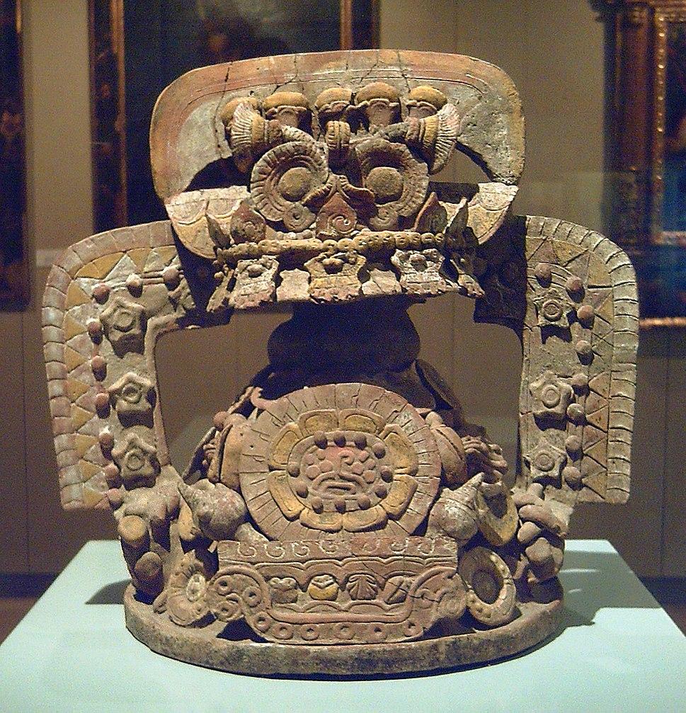 Tapadera de incensario teotihuacana (M. América Inv.91-11-45) 01