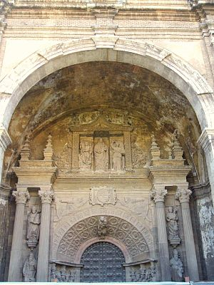 Tarazona Cathedral - Image: Tarazona Catedral de Nra Sra. de la Huerta 01
