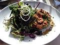 Tatar og salat (7026284487).jpg