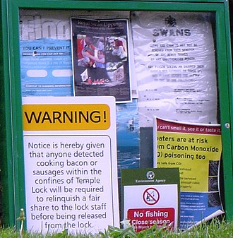 Temple Lock - Warning notices at the lock