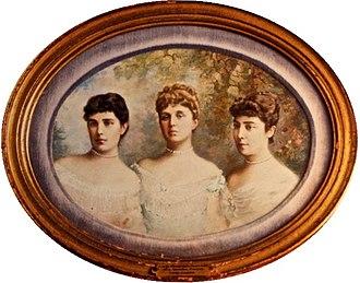 Lady Randolph Churchill - The Jerome Sisters : Jennie (1854-1921),  Clara  (1851-1935) and Leonie (1859-1943).