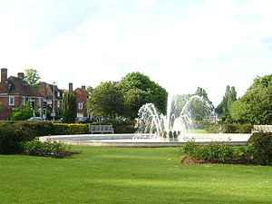 Welwyn Garden City - Image: The Parkway Fountain