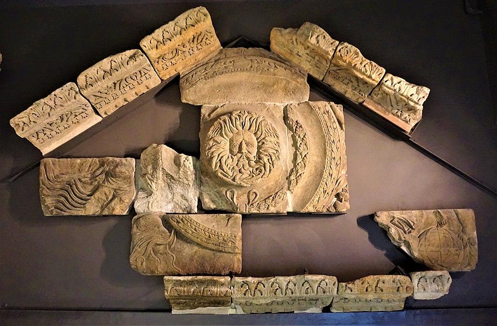 The Temple Pediment of the Temple Sulis Minerva at Bath - www.joyofmuseums.com - Roman Baths (Bath)
