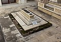 Tomb of Ladli Begum 02.jpg
