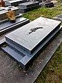 Tombe de Pierre Bourgeois au cimetière de Samois-sur-Seine.jpg