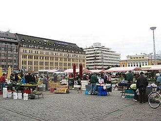 Market Square, Turku - Market square towards Aurakatu (Aura Street) and Eerikinkatu (Eric's Street).