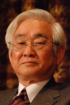 توشيهيده ماساكاوا Toshihide Maskawa 225px-Toshihide_Masukawa-press_conference_Dec_07th,_2008-4