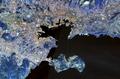 Toulon 5.91420E 43.10085 Landsat7 pseudo.png