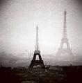 Tour Eiffel assemblée 3.jpg