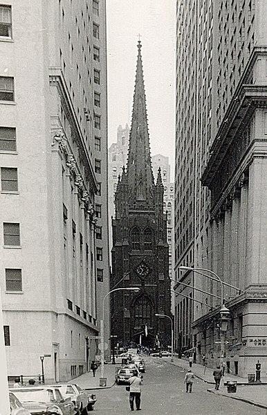 File:Trinity church as seen from Wall street.jpg