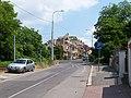 Troja, Trojská, signalizace nad hlavním stoupáním.jpg