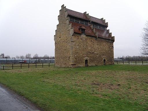 Tudor Dovecote, Willington - geograph.org.uk - 1663800