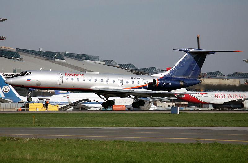 File:Tupolev Tu-134B-3 (5023290879).jpg