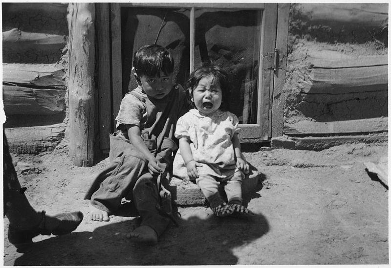 File:Two Indian Children - NARA - 285844.jpg