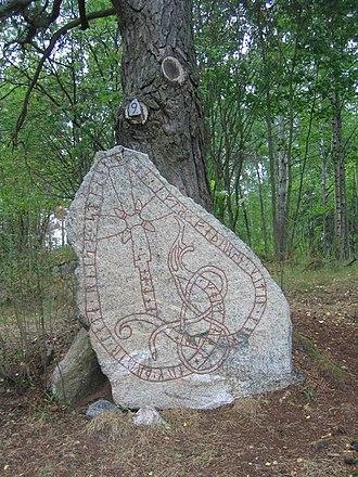 Lilla Vilunda runestones - Runestone U 293.