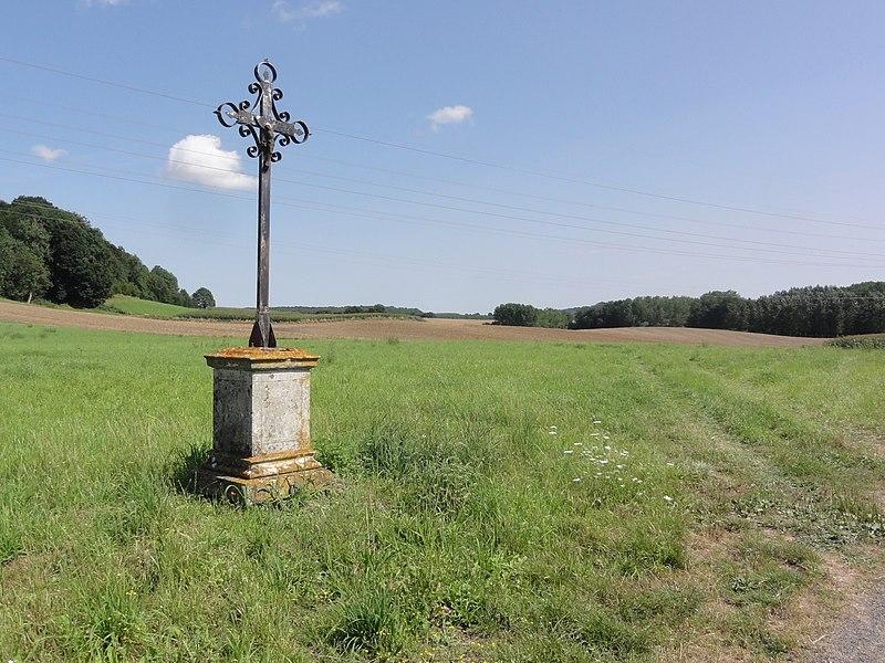 Ugny-le-Gay (Aisne) croix de chemin