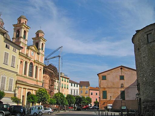 Varese Ligure-piazza Vittorio Emanuele