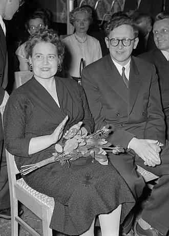 Vasily Smyslov - Smyslov with wife at the 1956 Candidates Tournament