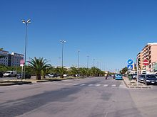 Viale Santa Panagia, tratto dell'omonimo centro, rappresentante oggi un importante sito sociale della città di Siracusa.