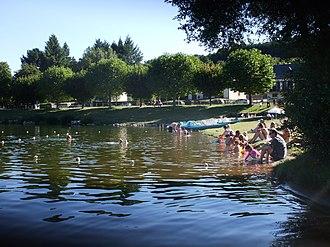 Lac de Villefranche-de-Panat - Image: Villefranche Lac 0706