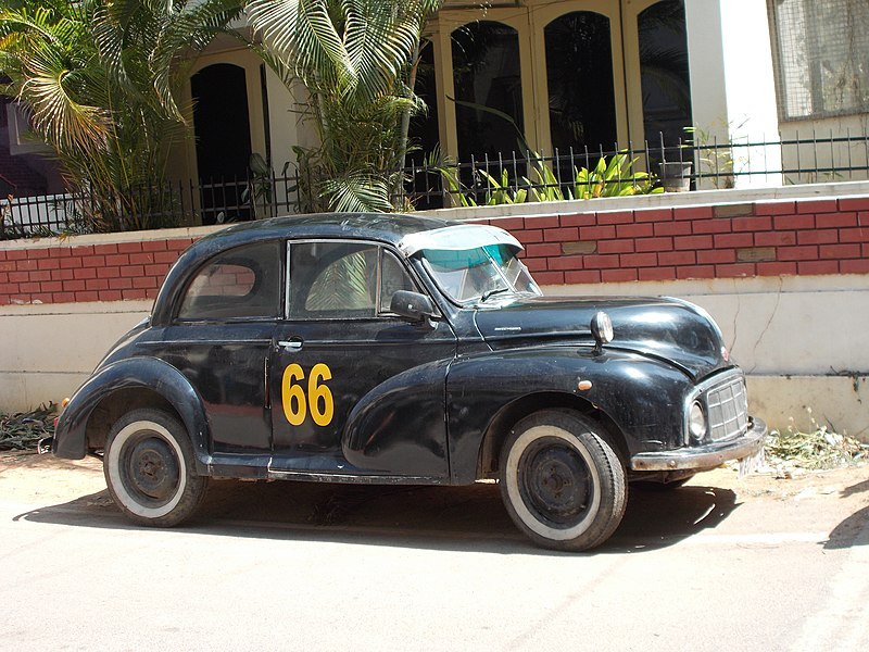 File:Vintage Car at Indiranagar in Bengaluru.JPG