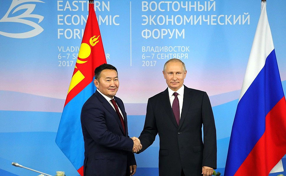 Vladimir Putin and Khaltmaagiin Battulga (2017-09-07) 01