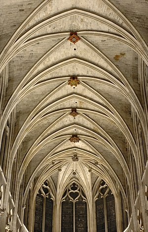 Vault (architecture) - Gothic rib-vault ceiling of the Saint-Séverin church in Paris