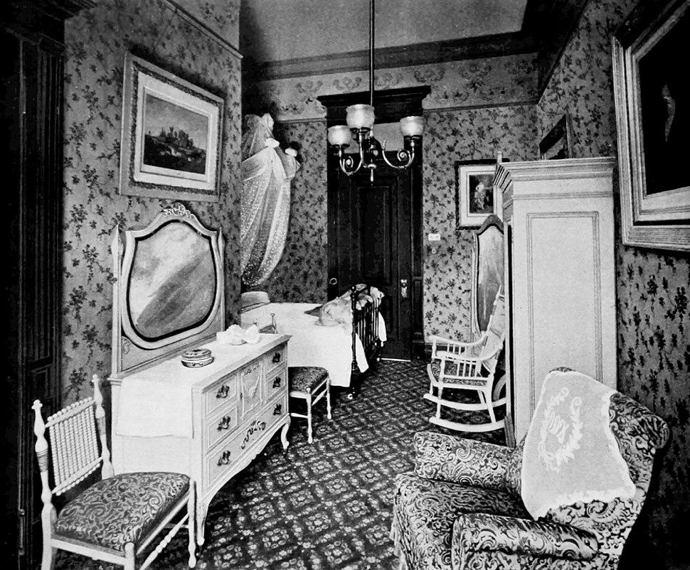 Waldorf Louis XIV bedroom