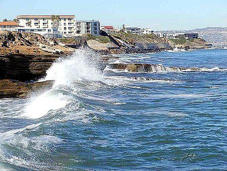 Waves on Ocean Coast.jpg