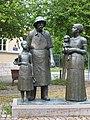 Weimar Albert Schweitzer Denkmal.JPG