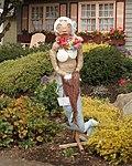 Weird Scarecrow (15577890122).jpg
