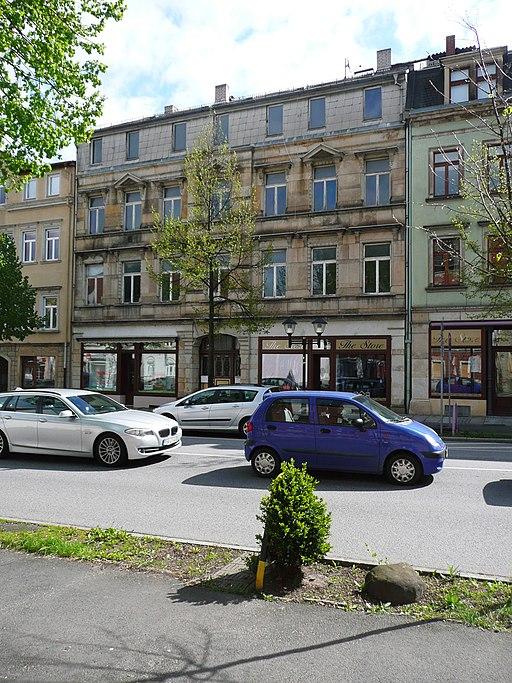 512px-Wohnhaus_Pirna_Breite_Stra%C3%9Fe7.JPG