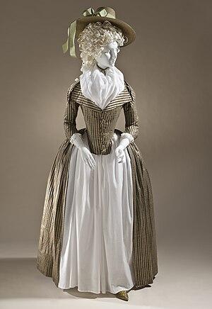 Redingote - Image: Woman's redingote c. 1790