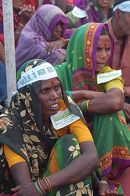 Women at farmers rally, Bhopal, M.P., India, 11-2005