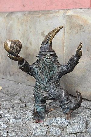 WrocLovek (WrocLover) Wroclaw dwarf 01