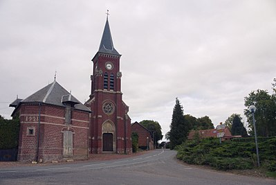 Y (Somme) church (flickruser1banaan).jpg
