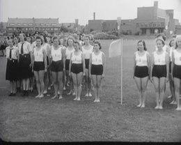 Bestand:Zomerwedstrijden van de Hitlerjugend en de Nationale Jeugdstorm - Spiegel der beweging nr. 9, item 6 48514.webm