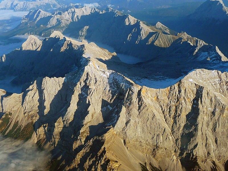 Zugspitze Airview 01.jpg