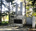 Братська могила радянських воїнів і пам'ятник односельчанам, с. Благодатне (Октябр), Великоновосілківський р-н, Донецька область.jpg
