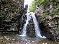 Бухтівецький водоспад.jpg