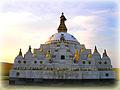 Самая большая ступа в России - Джарун Хашор в Кижингинском районе Бурятии, копия непальской Бодхнатх.jpg