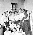 בנות קבוצת וורקלויטה אולה (אילנה) משמאל (עם צמות) 1935 - iאילנה מיכאלי btm6547.jpeg