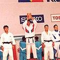 بالای سر بردن اولین مدال طلای جودوی آسیا توسط زین العابدین حقانی.jpg