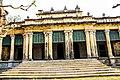 নাটোর রাজবাড়ীর পেছনের পুকুর সংলগ্ন বারান্দা.jpg