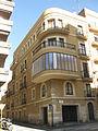 030 Edifici a la cantonada dels carrers Unió i Cardenal Cervantes.jpg