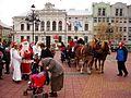 05623 Klassischer Weihnachtsmann bei der Kinderbescherung im vorkarpatischen Sanok in 2011.jpg